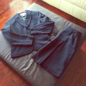 Jones New York  Suit (Blazer and skirt )